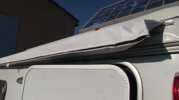 Montage d 39 un omnistor caravan sur eriba gt320 for Store interieur pour caravane