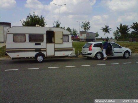 restauration caravane sun roller 4 places. Black Bedroom Furniture Sets. Home Design Ideas